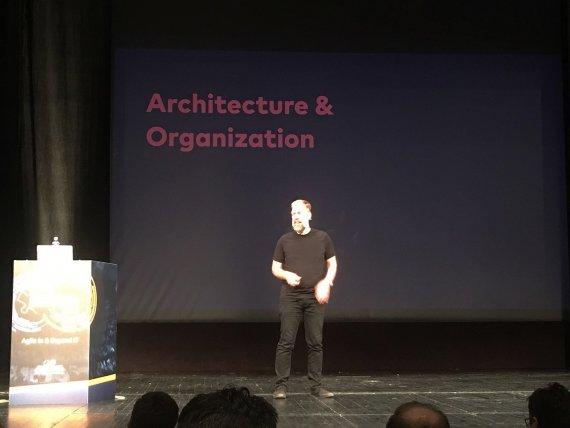 Agile in IT - Tilkov